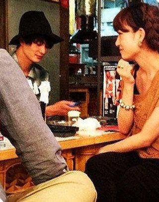 桃と岡田将生が居酒屋でデートインスタ