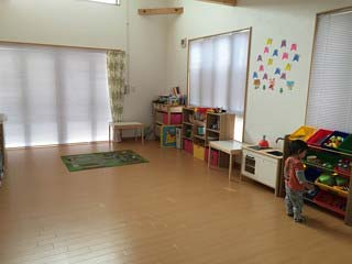 小阪由佳が運営の保育園内部