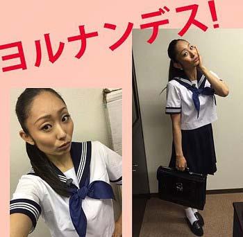 安藤美姫がインスタグラムで公開したセーラー服姿の写真