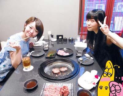 元AKB48内田眞由美がオーナーの「焼肉IWA」に峯岸みなみと指原莉乃が来店した際の写真