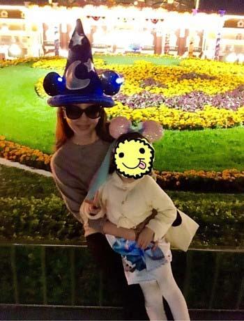 神田うのと子供のツーショット写真