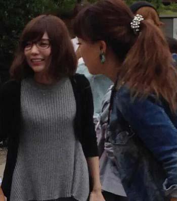 セカオワの深瀬慧(Fukase)と益若つばさが日光江戸村で観光2枚目