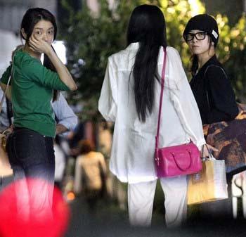 吉高由里子、森カンナ、ベッキーの女子会スリーショット2枚目