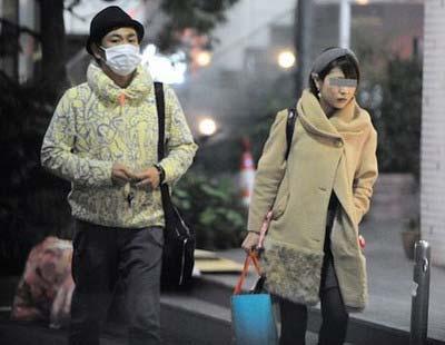 週刊誌撮影のココリコ遠藤章造と彼女・石田雅美のツーショット写真