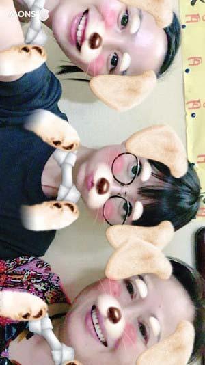 能年玲奈、篠田麻里子、渡辺えりのスリーショット写真