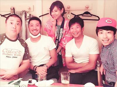ロンブー淳がインスタに「広島カープの菊池選手と中東選手と山本選手と一緒にゴハンを食べました!山本選手が1番ゴハンを食べてましたw」とコメントを添えて投稿していた写真