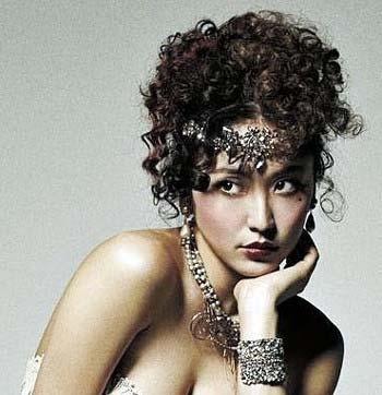 『キャバレー』で歌姫サリー役を演じる長澤まさみ