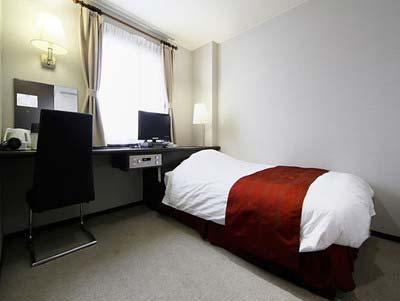 高畑裕太が宿泊していた前橋市内のビジネスホテル「ホテルサンカント」の部屋の写真