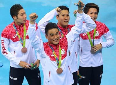リオデジャネイロ五輪で800メートルリレーで銅メダルを獲得したメンバー