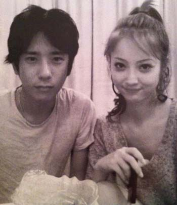 『週刊文春』掲載の二宮和也と佐々木希のツーショット流出写真
