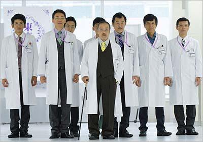 ドクターX4で蛭間役を演じる西田敏行ら