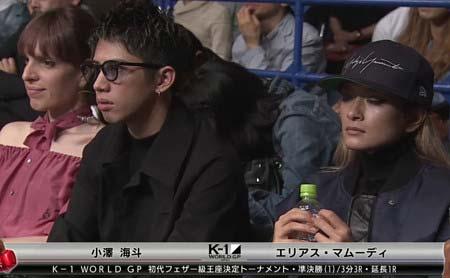 K-1の試合を観戦するIVAN、Taka、ローラ