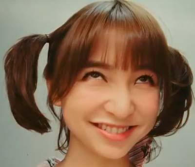 篠田麻里子の変顔、アヘ顔でアイーン