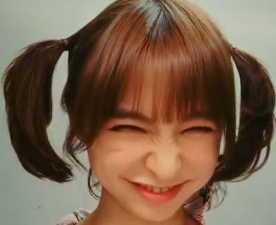 篠田麻里子の変顔、しかめっ面