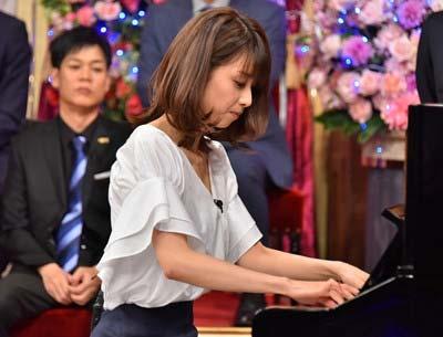 『しゃべくり007』で他局の番組解禁、ピアノ演奏を披露した加藤綾子の写真