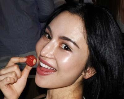 水沢アリーがブログ・インスタグラムに投稿した最新写真の横顔