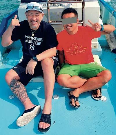 沖縄・宮古島旅行で撮影された清原和博と後見人で親友のA