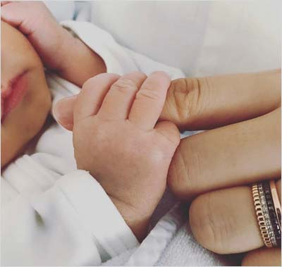 中越典子がインスタグラムに投稿した赤ちゃんの写真