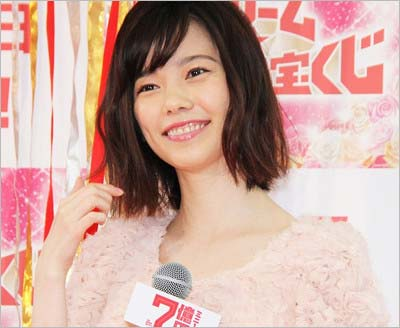 『ドリームジャンボミニ1億円』イベントに登場した元AKB48・島崎遥香