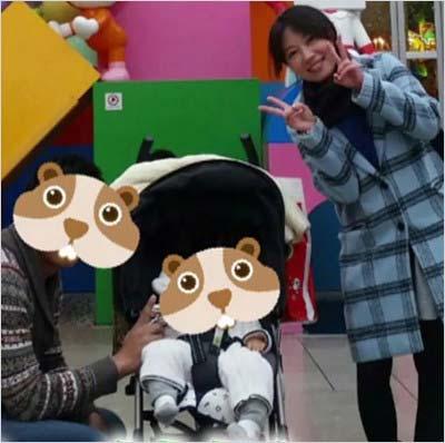 福田明日香、夫と長女のスリーショット
