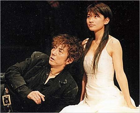 ハムレットで共演した市村正親と篠原涼子