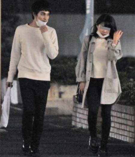 中村蒼と彼女(妻)のツーショット写真