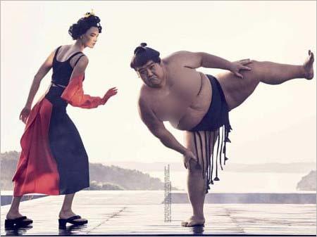 カーリー・クロスがモデルの日本人をイメージした写真4枚目