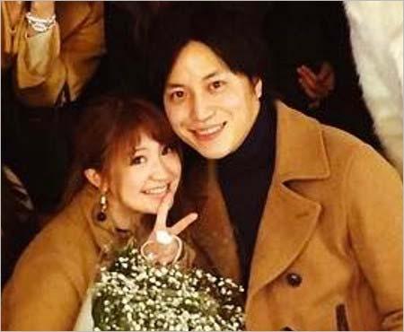 梅田賢三&矢口真里のツーショット1枚目