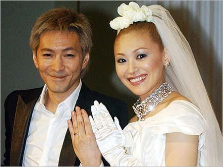 小室哲哉&KEIKOの結婚式ツーショット