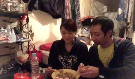 飯村貴子&いしだ壱成、現在のアパートでの様子