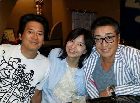 唐沢寿明、山口智子、中条きよしのスリーショット(2017年7月30日)のブログ掲載写真