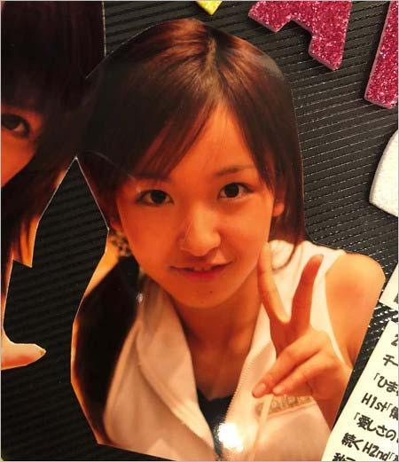 板野友美がインスタグラムで公開したデビュー前の顔写真