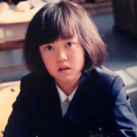 ニッチェ江上敬子が小学生の時の姿