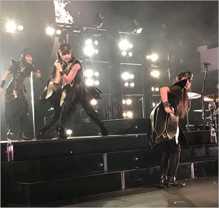 CHOSEN SEVEN登場のワールドツアー公演