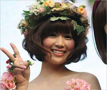 早稲田コレクション(ワセコレ)2009グランプリ受賞の竹内友佳アナ