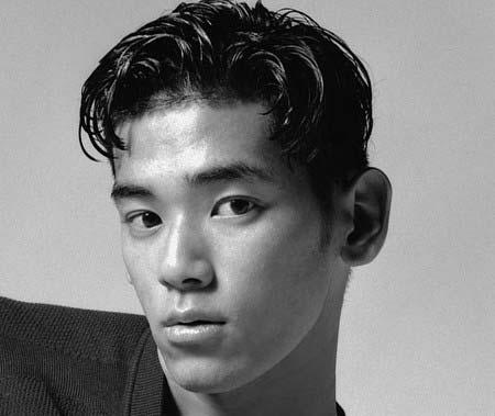 本木雅弘の息子・内田雅樂(UTA)がパリコレデビュー