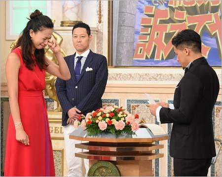 7月22日放送の『行列のできる法律相談所』で卜部弘嵩選手からプロポーズを受けた高橋ユウ1枚目
