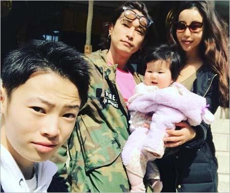 窪塚洋介とピンキー、長男と長女の家族画像