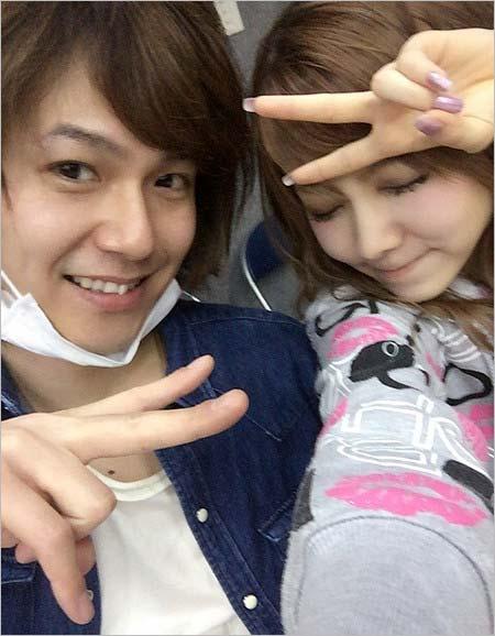 田中れいなが平野良とツーショットのブログ画像