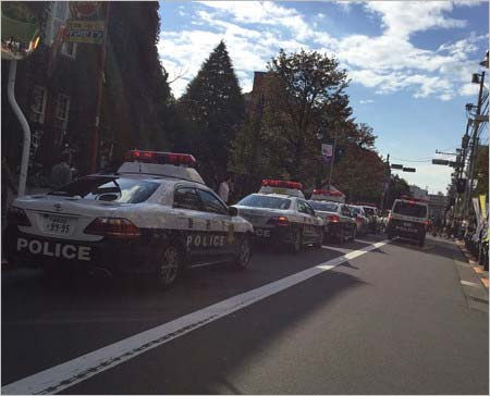 橋本環奈が出演イベント・立教大学の学園祭イベントで事件発生、駆けつけたパトカー