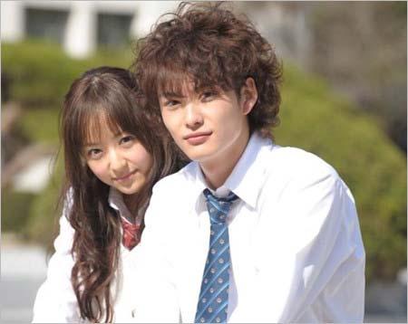 実写映画『僕の初恋をキミに捧ぐ』で共演の井上真央・岡田将生
