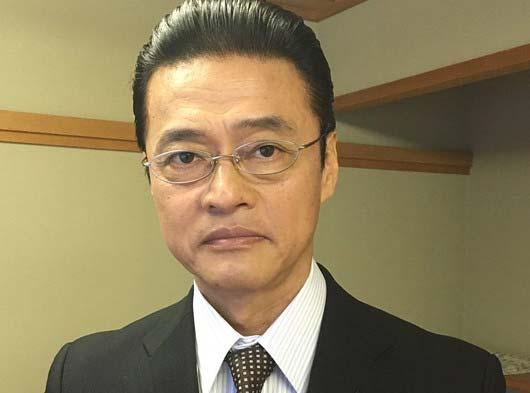 監察官・大河内春樹役の神保悟志