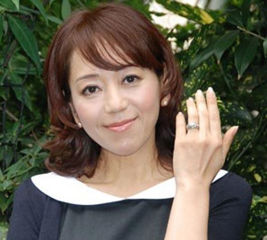岩崎良美の結婚指輪
