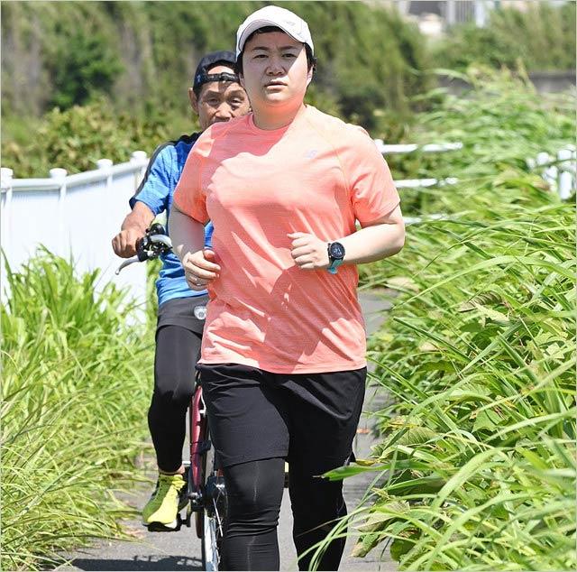 24時間テレビのマラソン練習中のハリセンボン近藤春菜