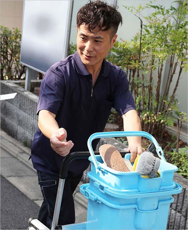 カラテカ入江慎也の現在の顔画像