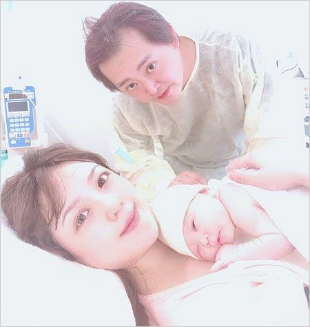 三田佳子の次男・高橋祐也と元乃木坂46大和里菜&出産した子供の画像