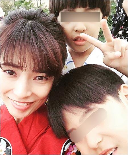 塚本まり子と子供の画像