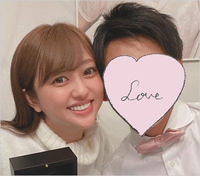 菊地亜美と夫のツーショット写真