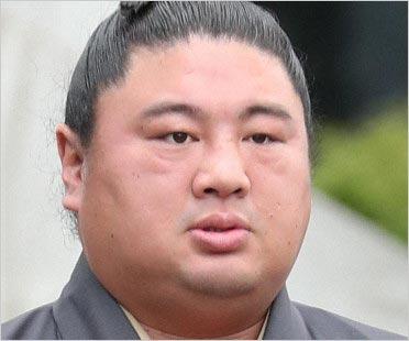 元関脇・嘉風の中村親方)